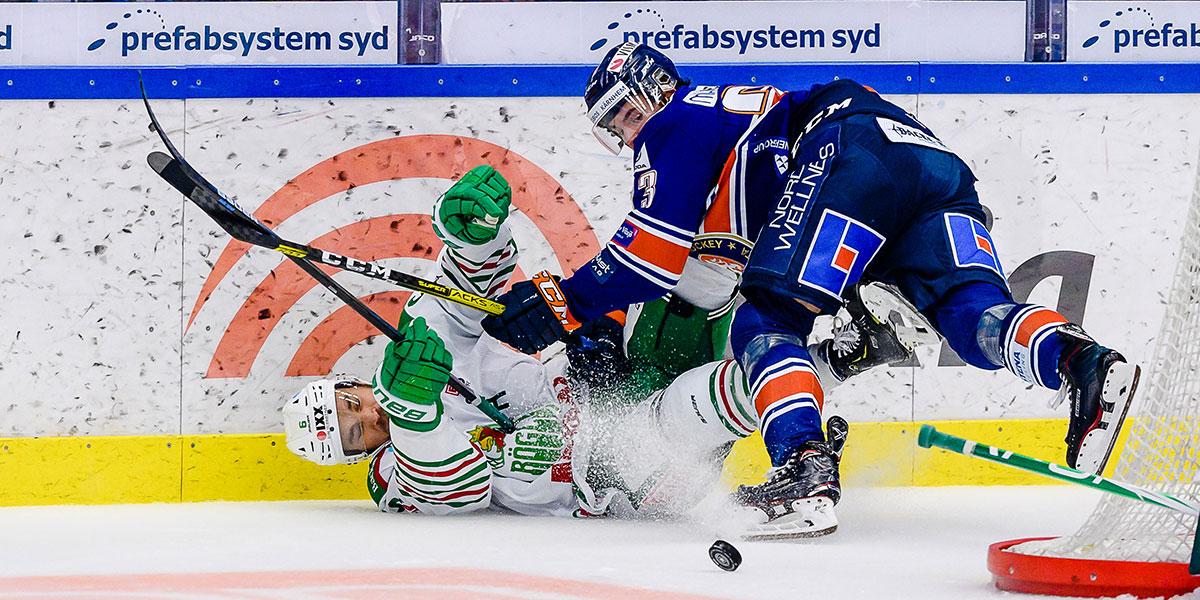 Rögles Craig Schira och Växjös Roman Horak i duell