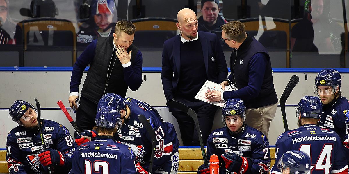 Linköpings tränare Daniel Eriksson, assisterande tränare Niclas Hävelid och tränare Johan Åkerman